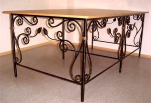 кованый обеденный стол