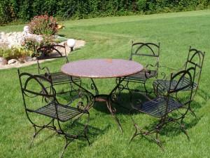 садовый комплект:кованый стол и 4 стула