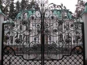 ворота кованые эксклюзивной формы