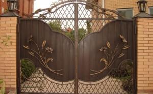 ворота для дома кованые с листьями