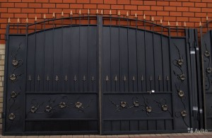 ворота с калиткой для дома