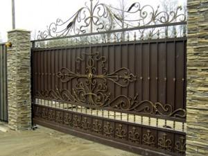 ворота откатные с ковкой
