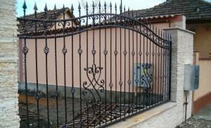 кованый забор для частного дома