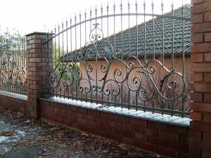 сварной полукруглый забор с установкой