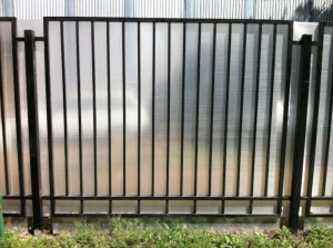 сварной забор секционный поликарбонат с установкой