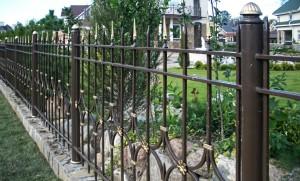 забор сварной с коваными элементами невысокий недорогой