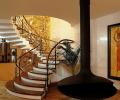 Лестницы в интерьере частного дома