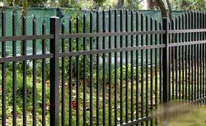 Как легко установить сварной металлический забор